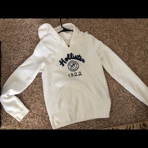 White Hollister Sweatshirt